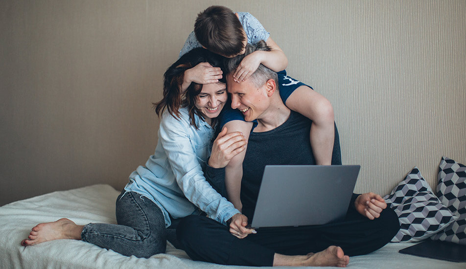can a family of 3 live in a 1 bedroom apartment